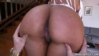Striking latin brown-haired Juliana with stylish natural tits getting spoon fucked thoroughly