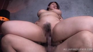 Boy brings a present to the prick hungry mischievous darling Mizuki Ann with firm scoops