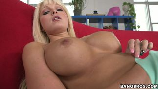 Mouthwatering babe Rikki Six with big tits loves jumping on thick tool