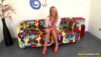 Topnotch busty blond darling Payton Simmons invited her mate for some casual sex